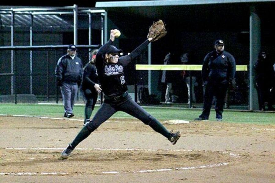 Junior+pitcher+Paige+Parks+tries+to+strike+out+a+Raider+during+the+Rouse+game+on+March+4.+Photo+by+Hannah+Williamson
