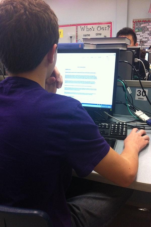 Sophomore+Brandon+Hurley+works+in+his+BIM+class.+This+class+has+been+teaching+the+students+business+courses+electronically.+%22I+feel+like+I+am+being+prepared%2C%22+he+said.