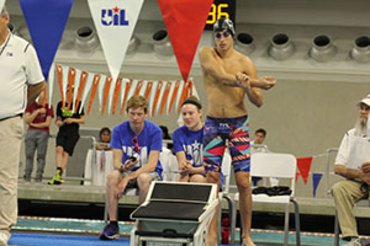 Swim and Dive Team Wrap up their Season at State