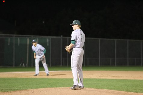 Baseball's Seniors Look to Lead Team Back to the Playoffs