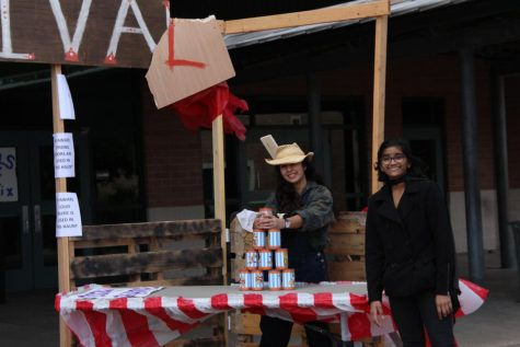 Key Club, PALs Raise Food for People in Need This Holiday Season