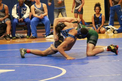 Wrestling Enters New 2017 Season, Looks Forward to New Year