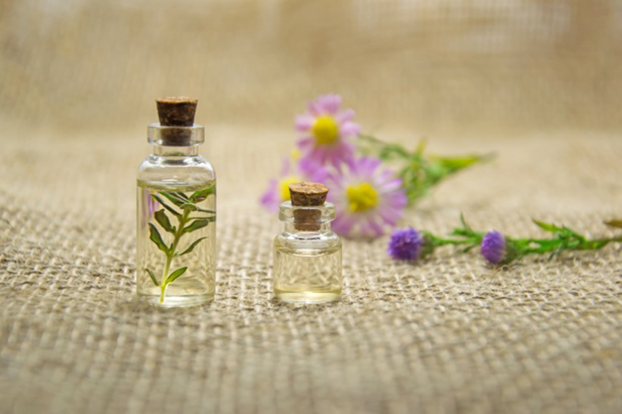 Essential oils that benefit high school students in many ways, from stress and pain relief, to a calmer mind.