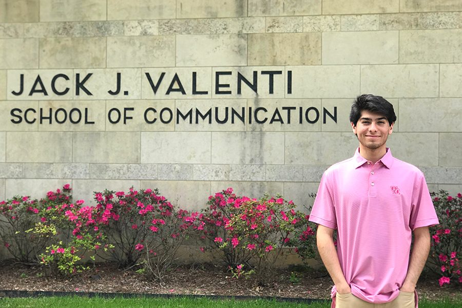 Senior+Jalen+Gomez+visits+his+future+college%2C+the+University+of+Houston.+Gomez+will+be+double+majoring+this+fall+in+journalism+and+sports+management+to+build+upon+his+journalism+skills.+%E2%80%9CI+chose+to+go+to+Houston+because+it+isn%E2%80%99t+that+far+away+and+I+know+their+school+of+communication+is+pretty+good%2C%E2%80%9D+Gomez+said.+